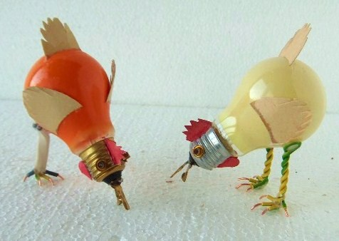 Just cool adventure in design art light bulb chickens - Manualidades de reciclaje faciles ...